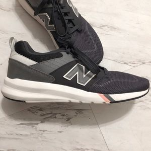 New Balance 009 Navy + Gray Sneakers